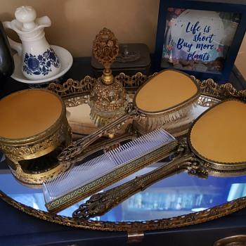 Inherited GLOBE Hollywood Regency Vanity Set - Accessories