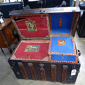 1800's Dome Steamer trunk with storage compartments - Furniture