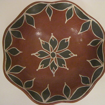 Can You Assist with Age, Santo Domingo Pottery Bowl - Native American