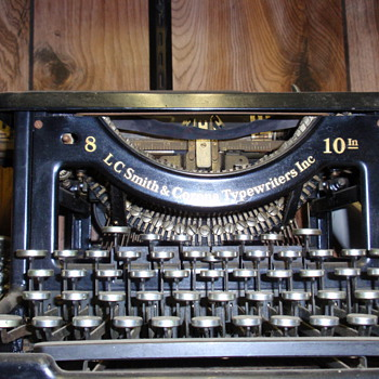 TYPE WRITTER - Office