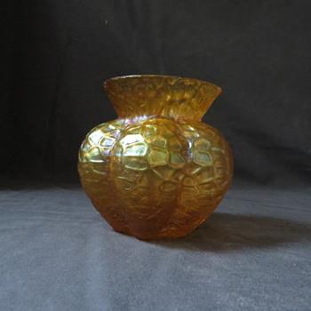 Small amber iridescent glass vase - Art Glass