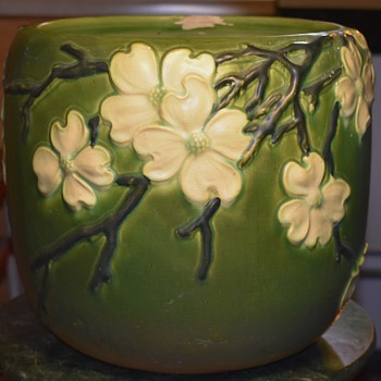 Enormous Roseville Dogwood Jardinere? - Pottery
