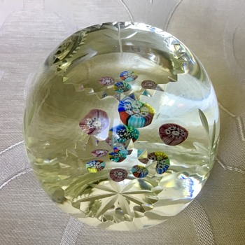 Paperweight - who made it? What country? - Art Glass