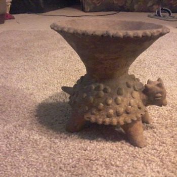A unique pot I found in a collectable and antique shop - Animals