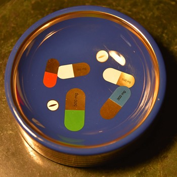 Jonathan Adler - trinket dish with pills - Pottery