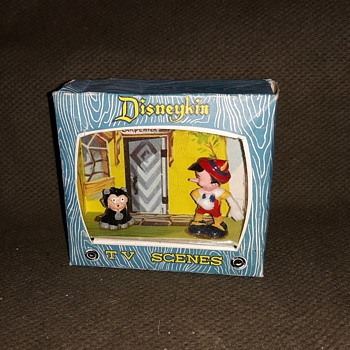 Marx Disneykins TV Scenes Pinocchio And Cleo Early Mid 1960s  - Advertising