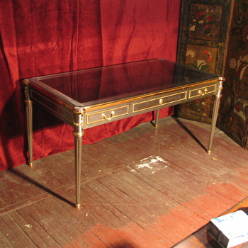 louis XVI repro in steel and brass - Furniture