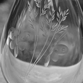 1940's Kosta Boda Sweden Art Glass Engraved Butterflies Crystal Vase Scandinavian - Art Glass