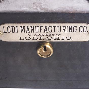 "Lodi Manufacturing Co,Lodi,OHIO""Saleman sample Steel Bank""1900-10 - Advertising"