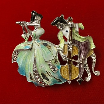Lovely couple brooch - Costume Jewelry