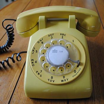 Yellow Western Electric Model 500 Telephone - Telephones