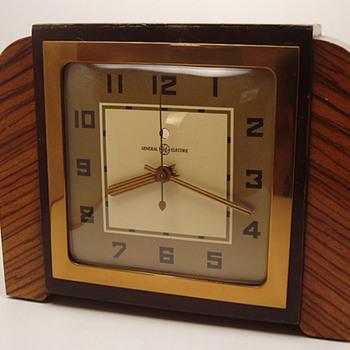 "General Electric ""Tuscan"" Mantle Clock 1939"