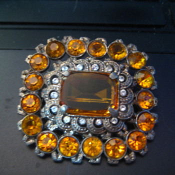 H. Pomerantz Inc N.Y. - Large AMBER Broch - Costume Jewelry