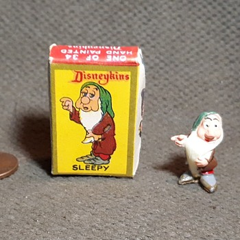 Marx Toys Disneykins Sleepy with Box of Snow White and the Seven Dwarves 1961 - Advertising