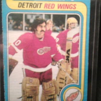 Vintage Red Wings Hockey Cards