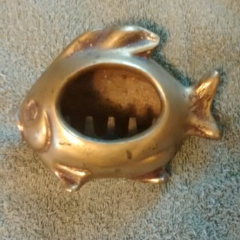 Nice brass fish ashtray - Tobacciana