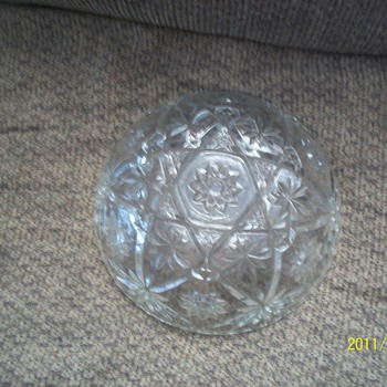 I found these glass bowls  in my house that I move into..what are they and what can you tell me of them? Thank you - Glassware