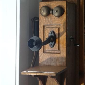 1907 Stromberg Carlson Telephone - Telephones