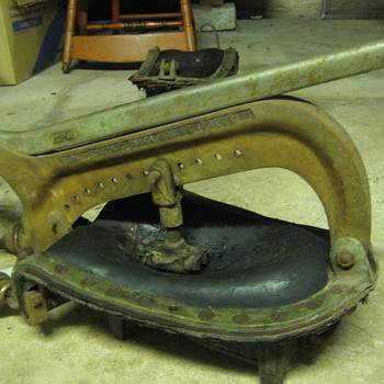 antique shoe repair machine