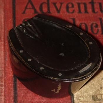 Antique Papier Mache Horseshoe Snuff Box - Tobacciana
