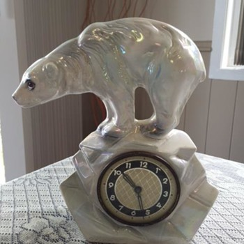 Jema Holland Single Polar Bear Mantle Clock numbered (438)