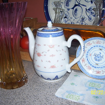 ?glass vase/china set - China and Dinnerware