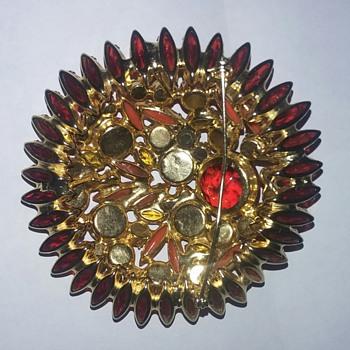 Juliana pin and earrings - Costume Jewelry