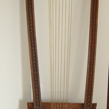 Loom?  Instrument?  What is this? - Music Memorabilia