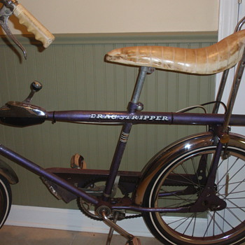Two vintage bicycles - Sporting Goods