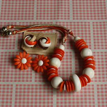 Orange splash necklace and earrings