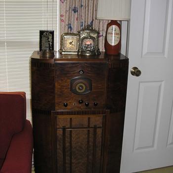 RCA Radio Model C-11-1 - Radios