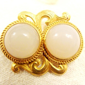 Nouveau Gold Chalcedony Brooch - Fine Jewelry