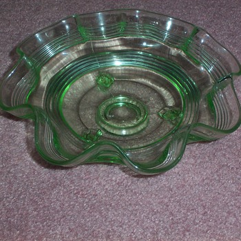 Anchor Hocking green fluted ring bowl - Glassware