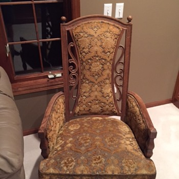 two chairs purchased in TN approx. 20 years ago, looking for any info. on them.