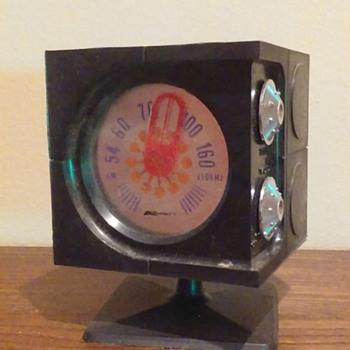 1970's K-MART 'cube' AM transistor radio - Radios