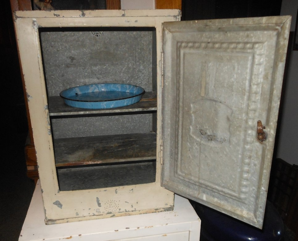 Home Comfort Bread And Cake Cabinet 1920s | Collectors Weekly