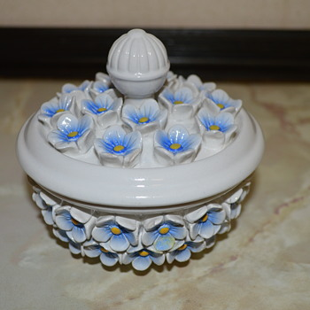 Italian pottery trinket box - Pottery