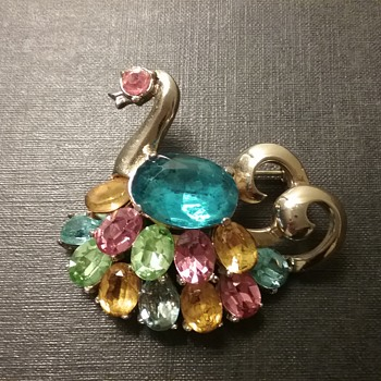 CoroCraft swan brooch  - Costume Jewelry