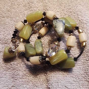 unusual 'springy' bracelet with pretty green stone beads +, WHAT DO I GOTS?? - Fine Jewelry