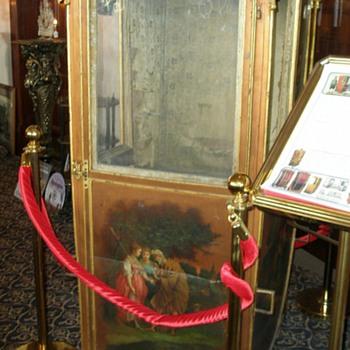 Visiting The Art Deco Lamp Museum - Furniture