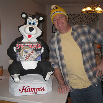 Say hello to my little friend-the Hamm's bear - Breweriana