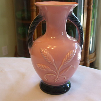 Hull, Shawnee, Someone Else....Who made this Pink & Black Pottery Vase? - Pottery