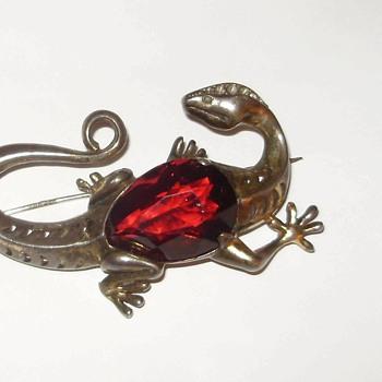 Victorian Era Large Lizard w/ large Garnet Vermeil  ?ny Ideas> - Fine Jewelry
