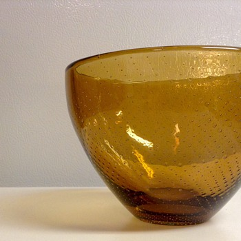 1947 Gunnel Nyman Amber Bowl for Nuutajärvi, Finland - Art Glass