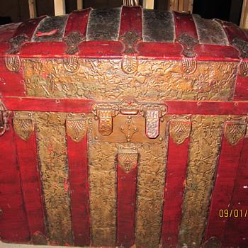 Steamer trunk from Ireland - Furniture