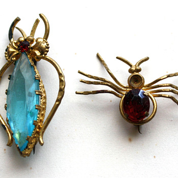 Bzzzz bzzzzs :) - Costume Jewelry