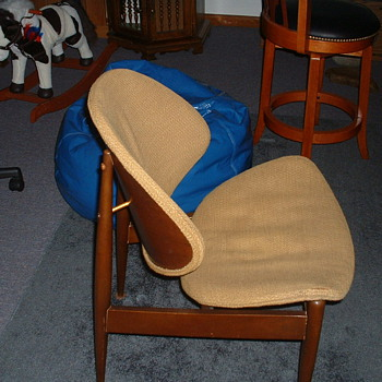 Beautiful Unknown Old Lounge Chair, looking for the Maker(s) Name? - Furniture