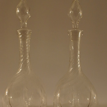 A pair of Edwardian Decanters - Art Glass