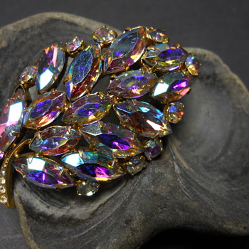 Vintage Sherman Brooch, Circa 1960-70 - Costume Jewelry