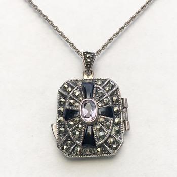 Vintage Sterling Silver Locket Necklace  - Fine Jewelry